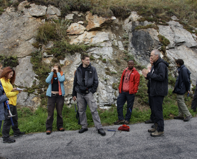 Explaining exposures to students along an ancient plate interface in Southern Switzerland (Aug.2015)
